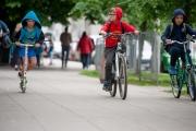 Uczniowie wsiadają na rowery. Dołączają nowe placówki z Sadyby