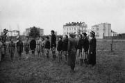 W mundurku na ósmą - czyli szkoła na przedwojennej Sadybie