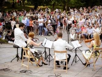 Wejdą z muzyką do kościołów i parków Sadyby